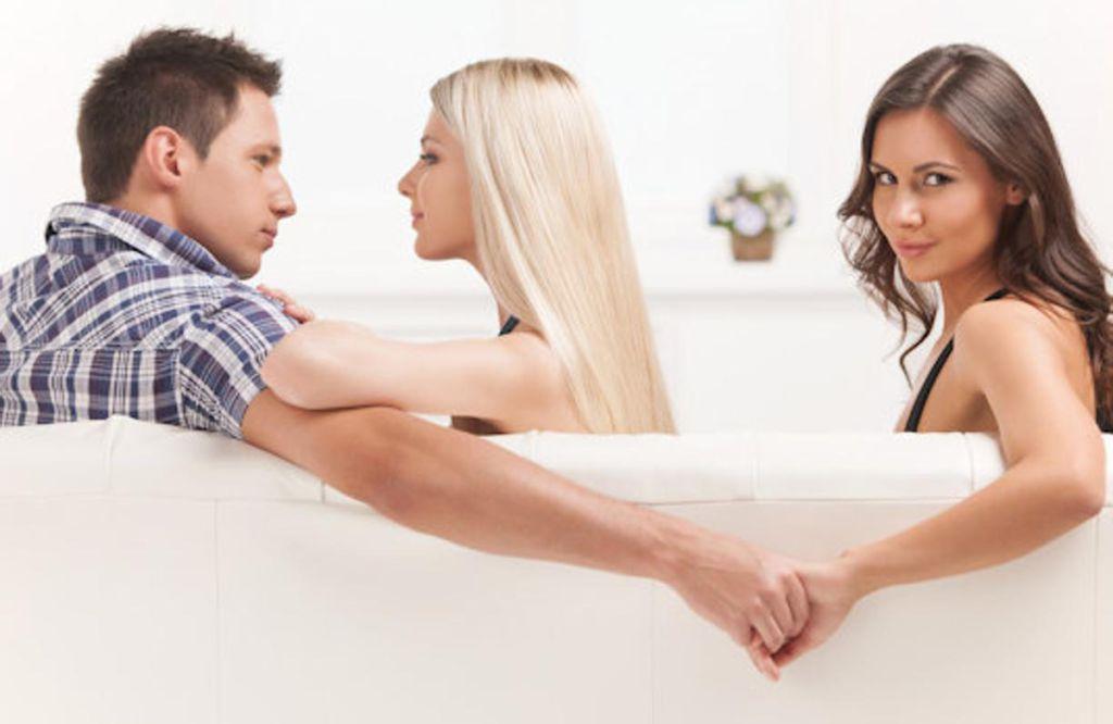 """""""E se mi tradisce?"""" Il dubbio che avvelena la coppia"""
